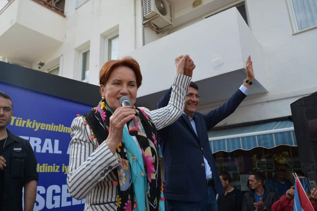İYİ Parti Genel Başkanı Meral Akşener, Mehmet Tosun'a övgüde bulundu.