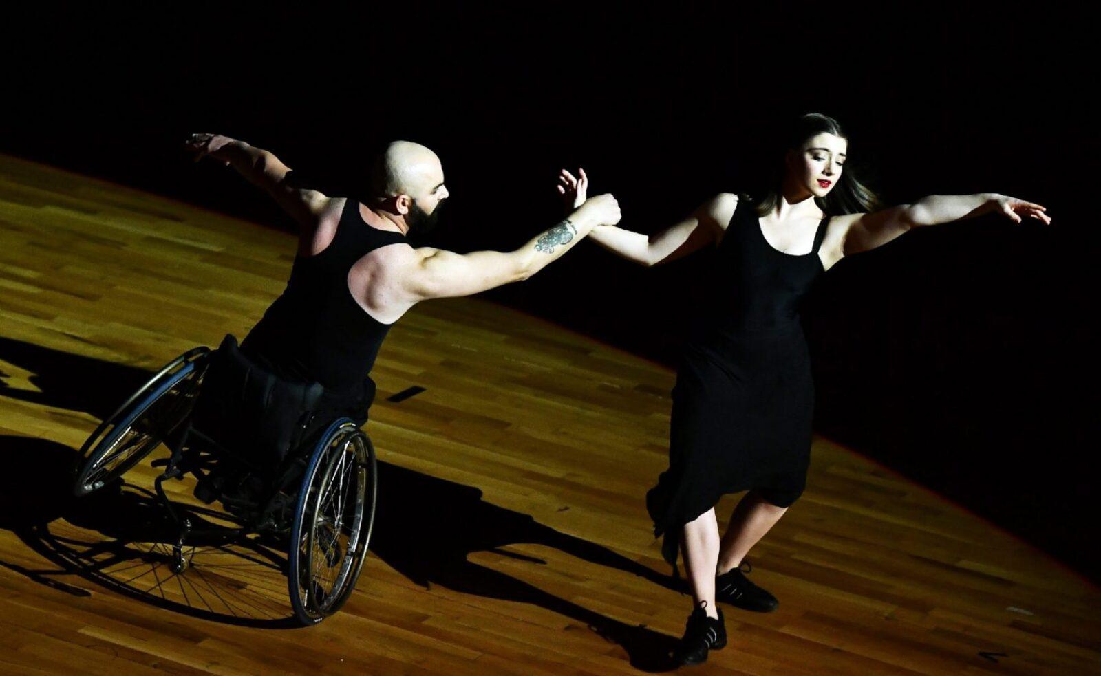 tekerlekli sandalyede dans 2