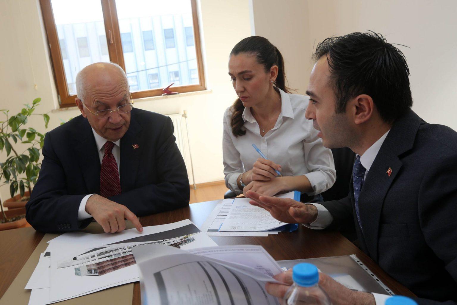 Başkan Yaşar yeni projeleri inceledi