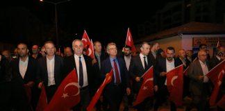 Edremitli Muhtarlardan Bayrak Yürüyüşü