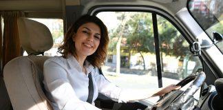 Beylikdüzü Belediyesi'nin pazar servislerinde kadınlar görev yapıyor