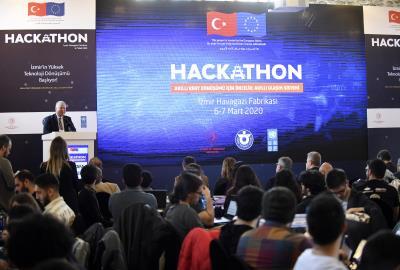 İzmir, raylı ulaşımın geleceği için yenilikçi fikirler peşinde.