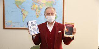 Başkan-Aydıner-evde kalan-çocuklara-kitap-hediye-etti