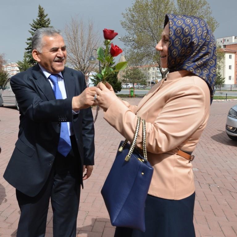 O bir kent doktoru Dr.Memduh Büyükkılıç ozelkalem.com .tr