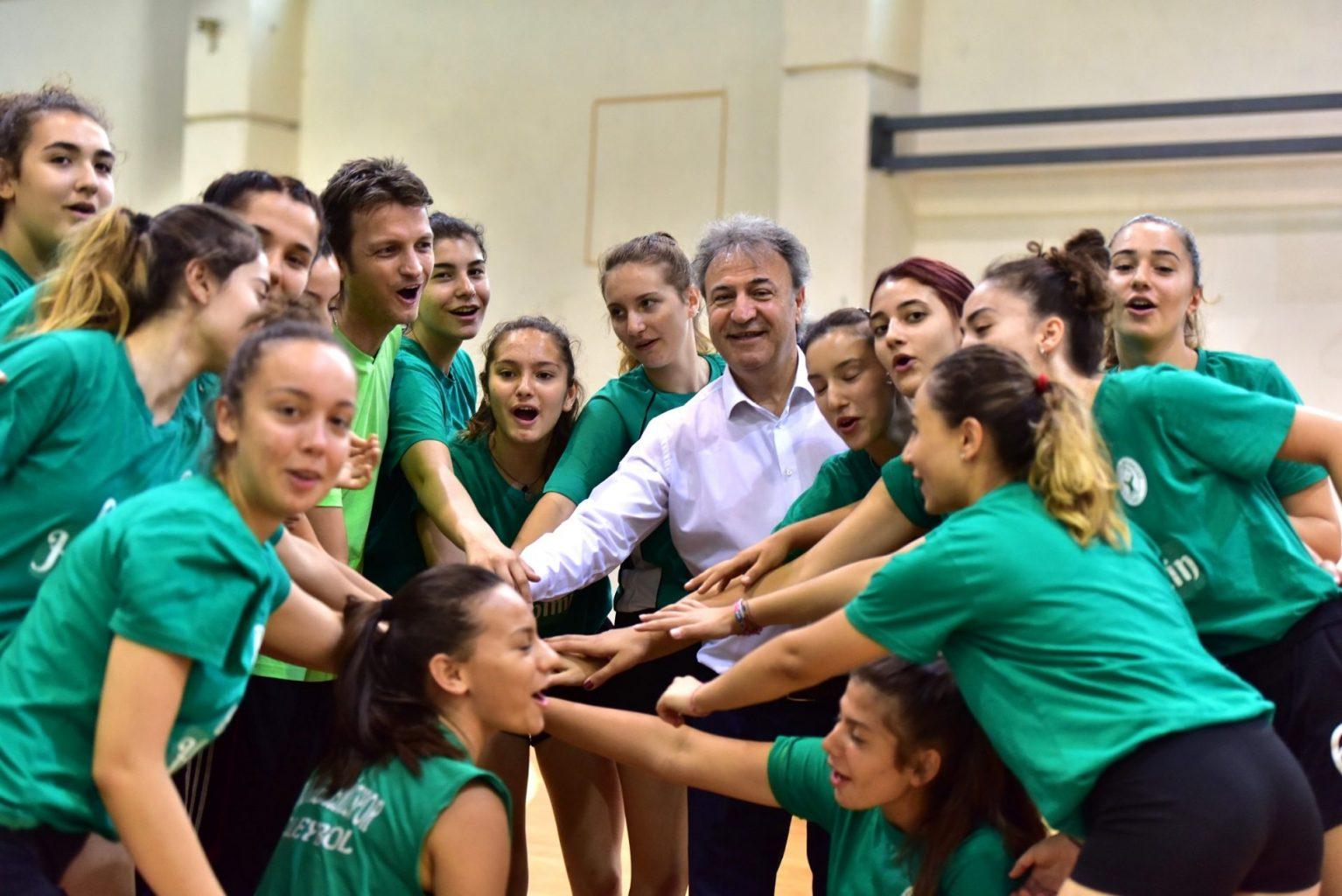 Başkan İduğ gençler Türkiyenin geleceği ve umudu ozelkalem com tr 1