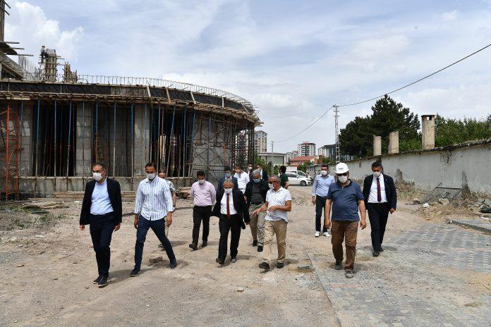 Başkan Bilim Sanat Merkezi inşaatını gezdi