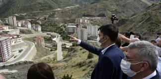 evre ve Şehircilik Bakanı Murat Kurum Gümüşhaneye çok sayıda projeleri hayata geçirecek müjdeler verdi