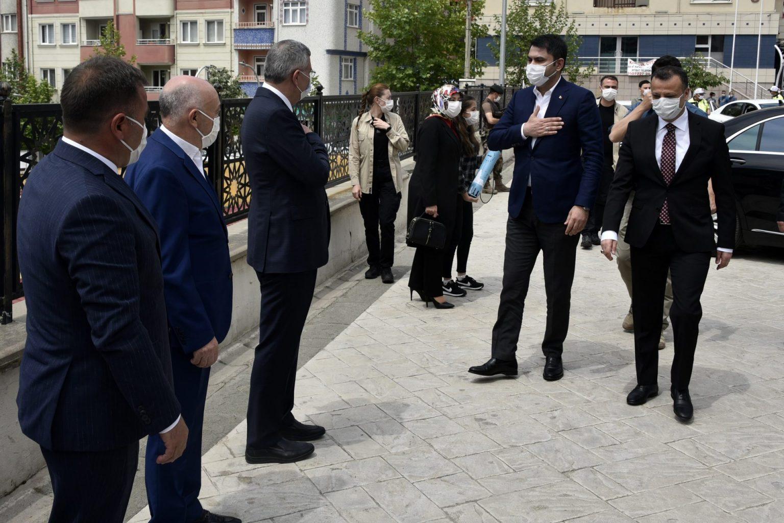 evre ve Şehircilik Bakanı Murat Kurum Gümüşhaneye çok sayıda projeleri hayata geçirecek müjdeler verdi 2