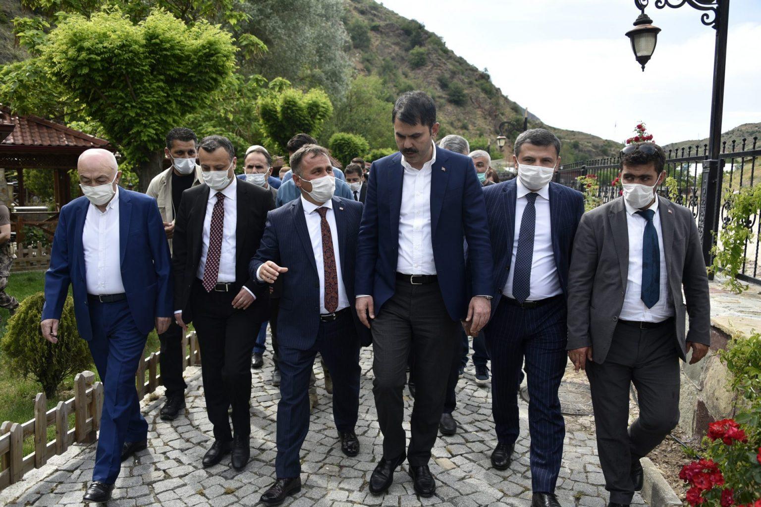 evre ve Şehircilik Bakanı Murat Kurum Gümüşhaneye çok sayıda projeleri hayata geçirecek müjdeler verdi 5