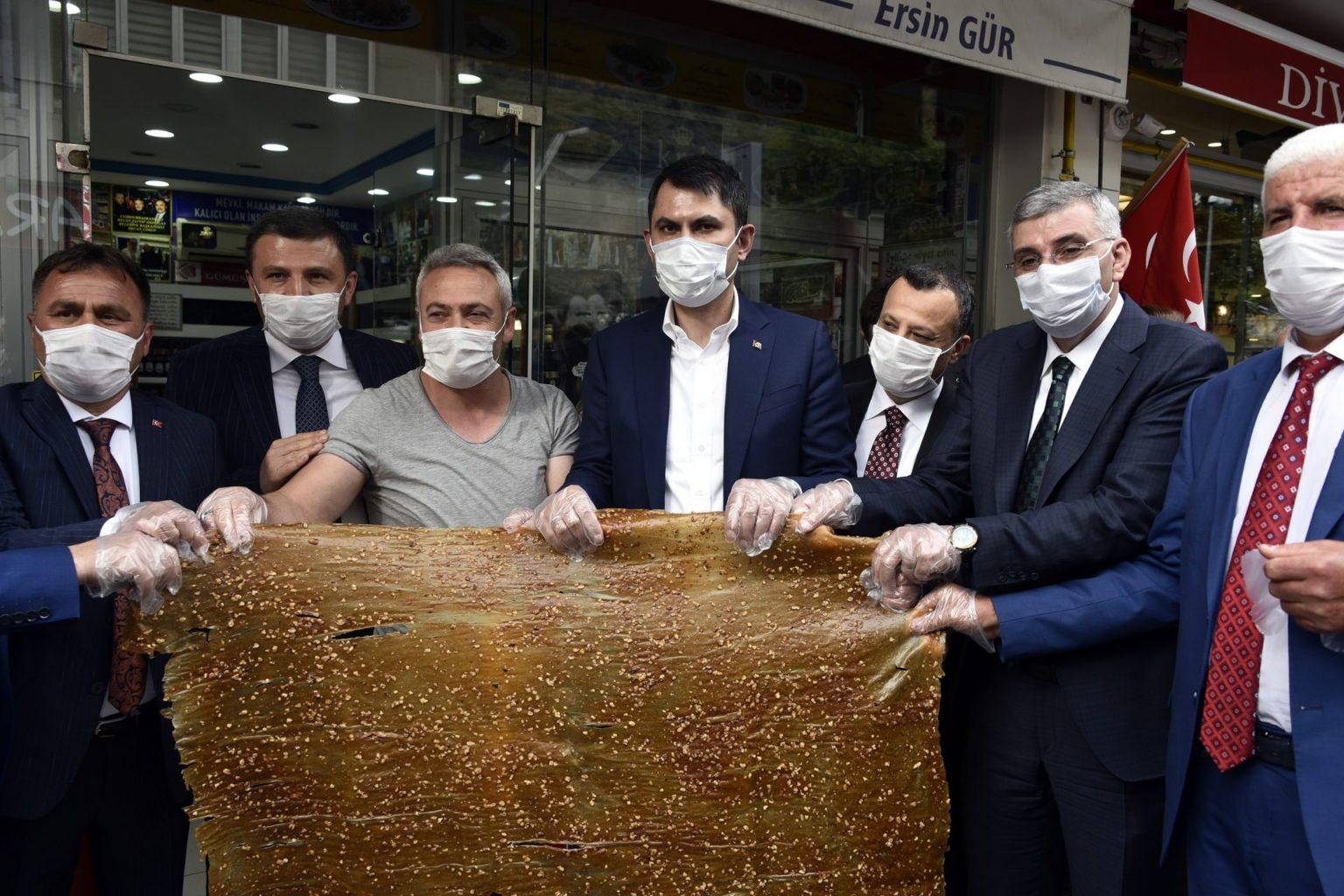 evre ve Şehircilik Bakanı Murat Kurum Gümüşhaneye çok sayıda projeleri hayata geçirecek müjdeler verdi 7