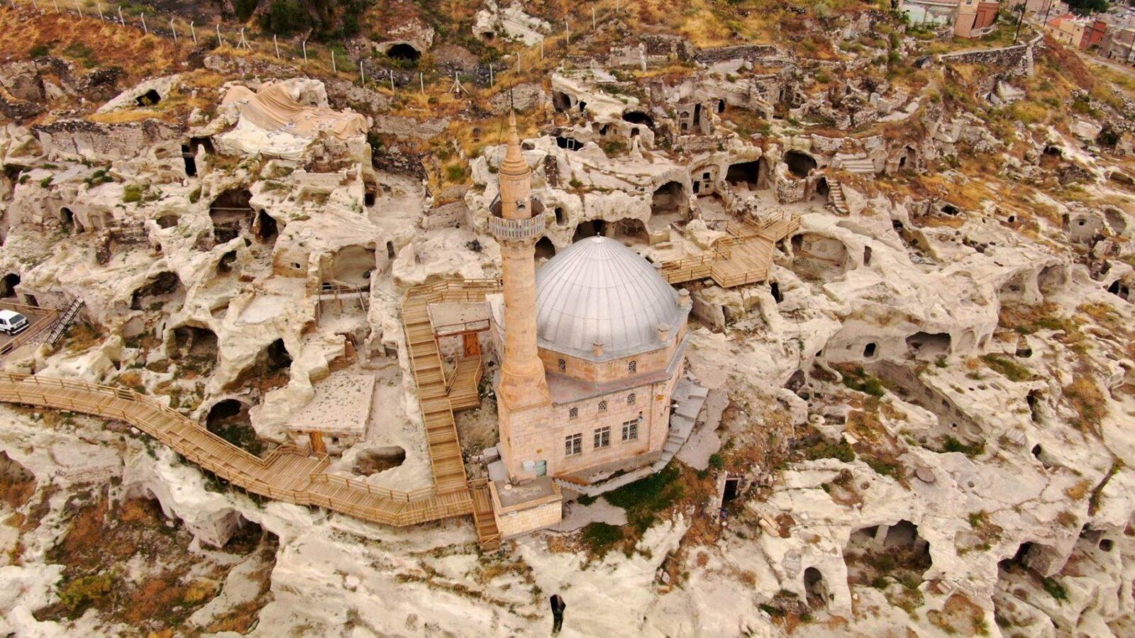 Dünyanın en büyüğü turizme açılıyor