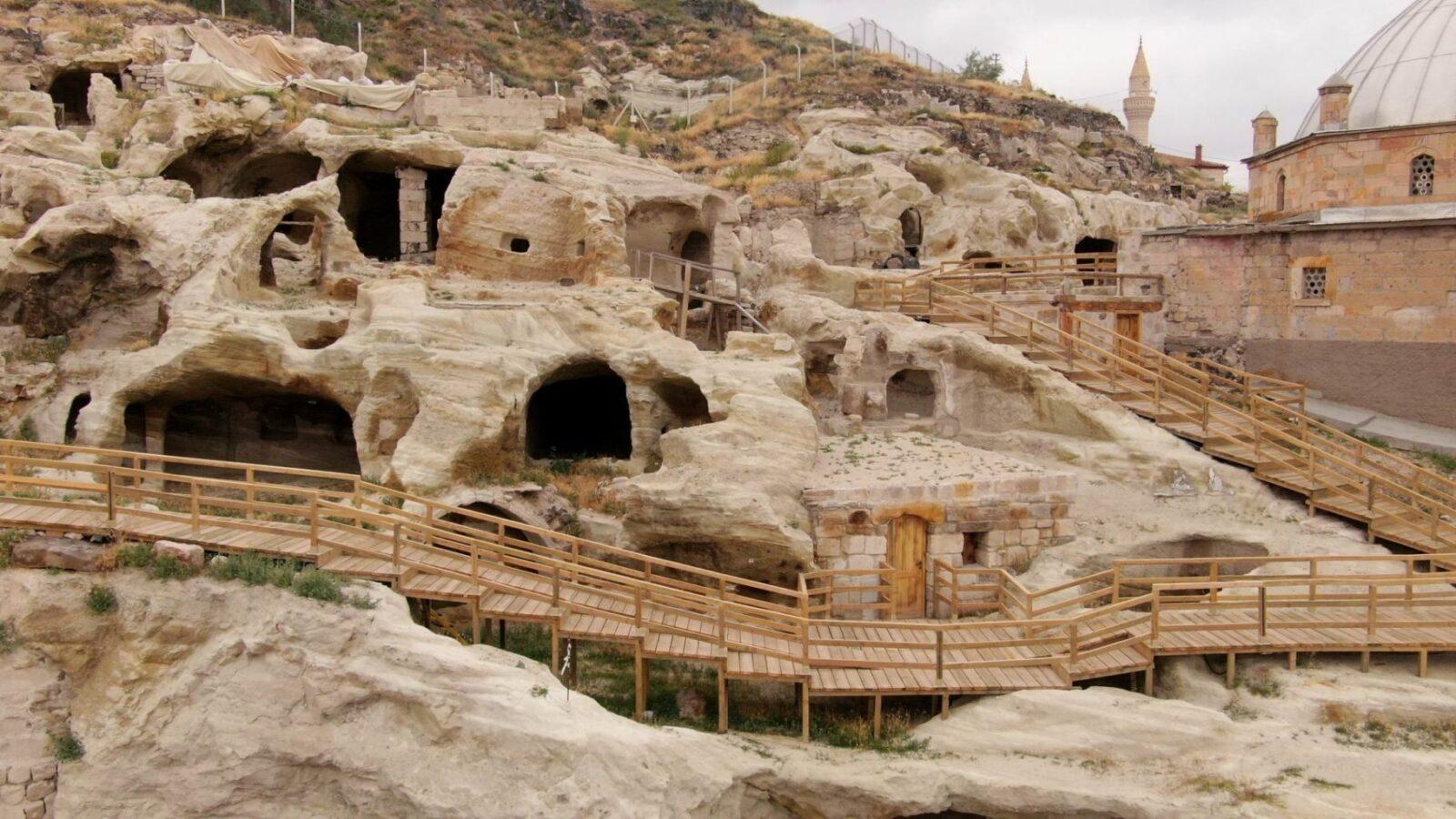 Dünyanın en büyüğü turizme açılıyor. - ozelkalem.com.tr