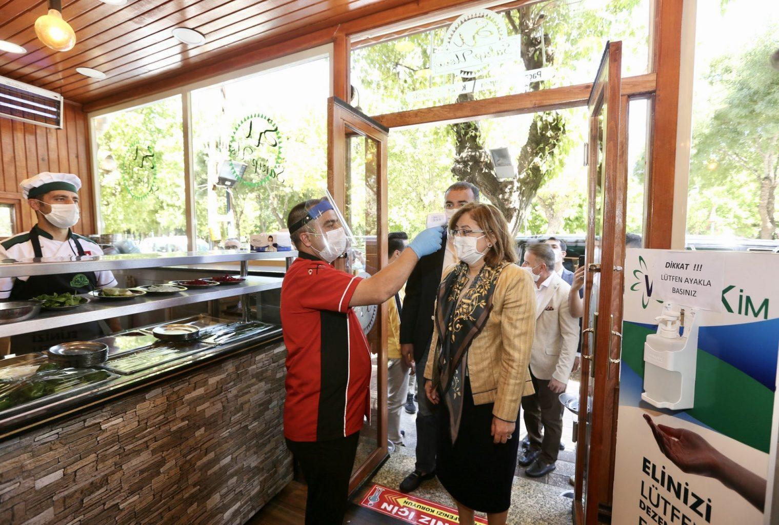 Gazi şehrin restoranları pandemiye karşı 'fıstık gibi' hazırlanıyor 5