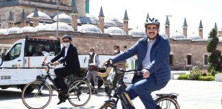 Konya Büyükşehir Belediye Başkanı Uğur İbrahim Altay pedal çevirdi