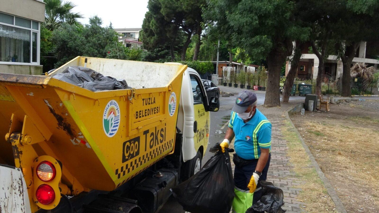 Tuzla Belediye Başkanı Şadi Yazıcı çevreci gençlerle sahilde 2 kamyon atık topladı 4