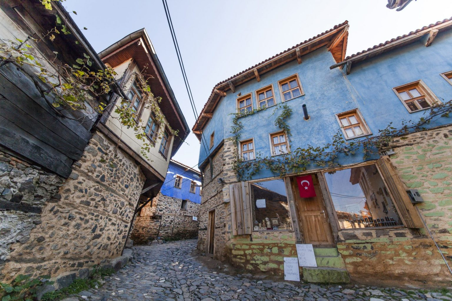 700 yıllık köyün çarşısı yenileniyor