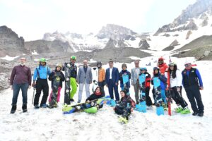 Erciyes'te dört mevsim kayak keyfi