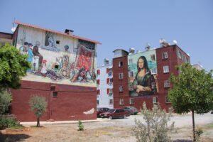 Mersin'in binaların duvarları tuval oldu - ozelkalem.com.tr