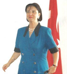 Türkiye'nin ilk kadın Valisi Lale Aytaman