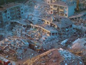 7.2'lik deprem yaklaşıyor. Neyi bekliyoruz?
