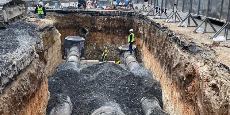 İSKİ, Bakırköy İncirli Caddesi'nin altyapısını tamamen yeniliyor. Böylece yağmur sonrası taşkınlar ortadan kalkacak, kanalizasyon ve koku sorunları çözülecek.