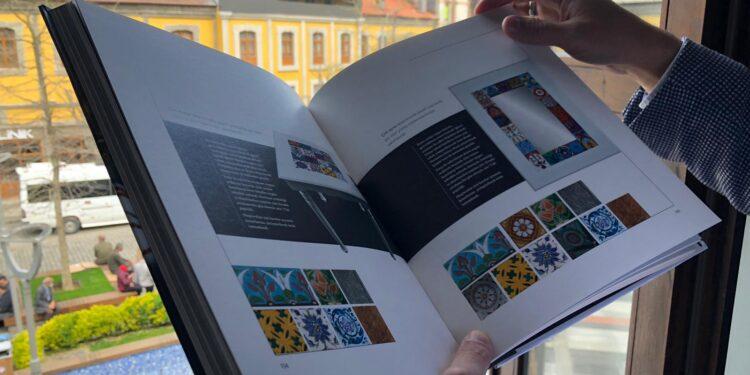 """Büyükşehir Belediyesi yayımladığı """"Motif Motif Trabzon"""" isimli kitapla, şehrin zengin kültür mirasına ışık tutuyor."""