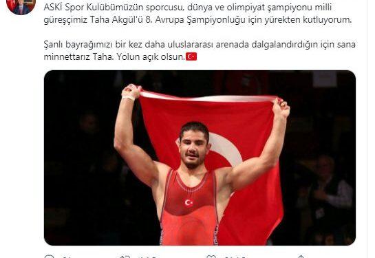 Milli güreşçiler ASKİ Sporlu Taha Akgül, Süleyman Atlı ve Süleyman Karadeniz Esenboğa Havalimanında kulüp yöneticileri, antrenörleri, yakınları ve çalışma arkadaşları tarafından coşkuyla karşılandı.