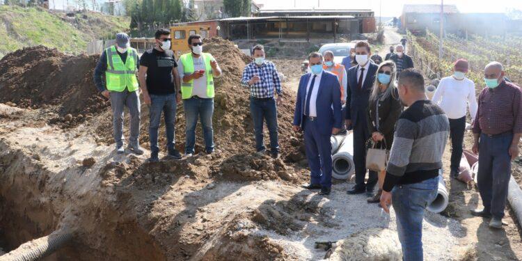 Manisa Büyükşehir Belediyesi, MASKİ Genel Müdürlüğü, Turgutlu'nun Çepnidere Mahallesinde kanalizasyon hattı döşeme çalışmasına başladı.