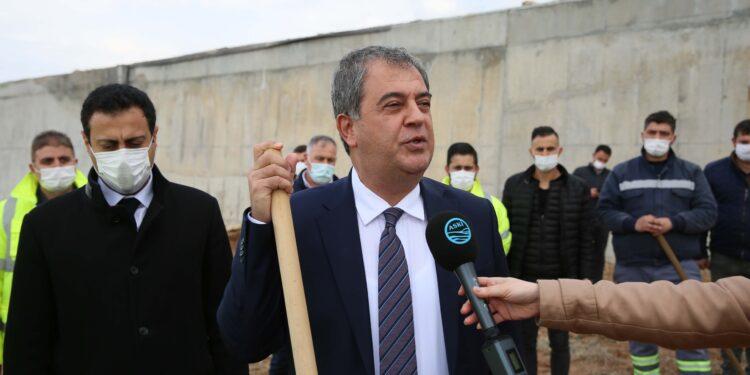 """Ankara Büyükşehir Belediye Başkanı Mansur Yavaş'ın Ankara'yı çevre dostu bir kent haline dönüştürmek için hayata geçirdiği """"Yeşilin Başkenti"""" projesine bir destek de ASKİ Genel Müdürlüğü'nden geldi."""
