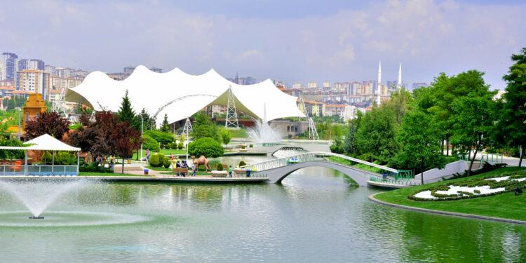 Ankara'da yarın 40 taşınmazın kiralanması ihalesi yapılacak.