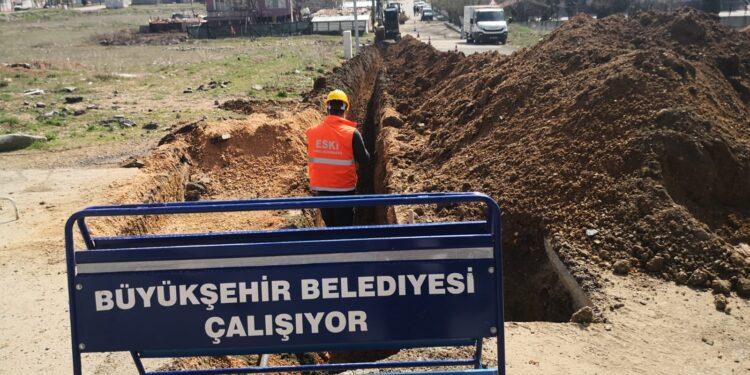 Eskişehir Büyükşehir Belediyesi'nden Çamlıca Mahallesine içme suyu hattı