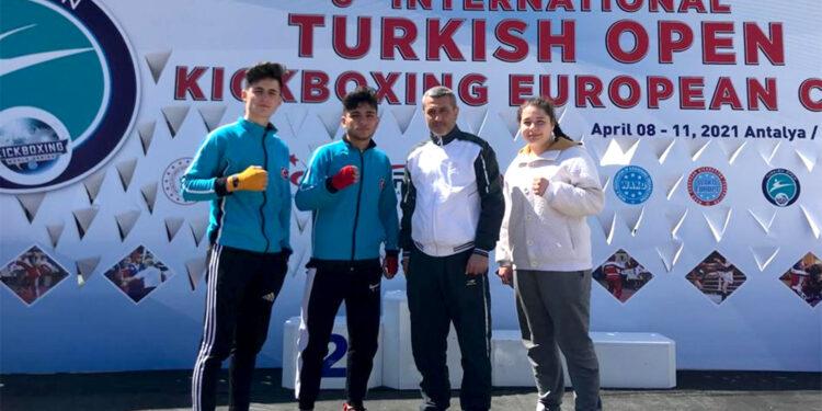 Karatay Belediye Spor Kulübü sporcuları, Türkiye Kick Boks Federasyonu faaliyet programında yer alan müsabakalardan 3 madalya ile döndü.