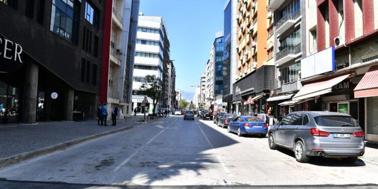 İzmir'de 'O' bulvar trafiğe kapanıyor