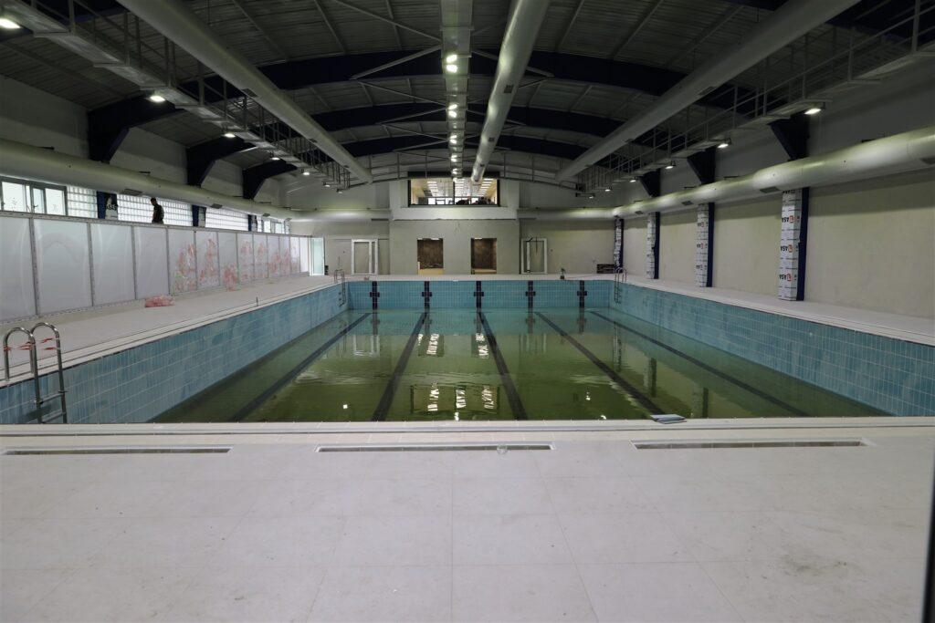 İstanbul Büyükşehir tarafından yenilenen Beyoğlu Yüzme Havuzu'ndaki çalışmalarda sona gelindi. Havuz engelli erişimine uygun hale getirildi.