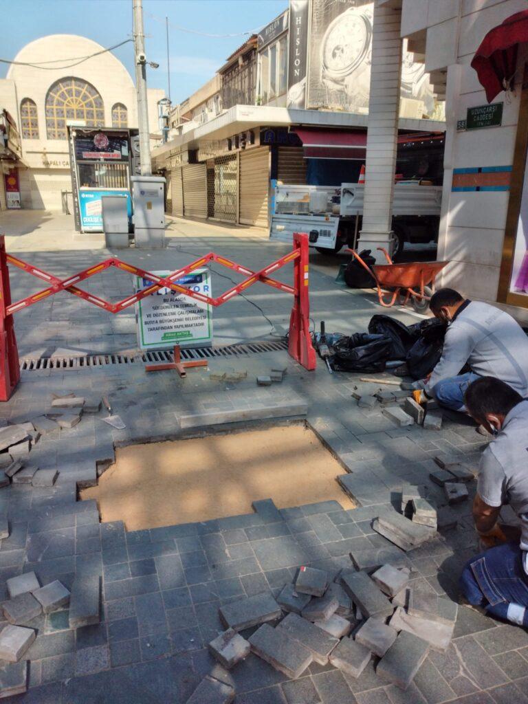 Bursa caddeleri ve meydanlarının görsel imajı tazeleniyor