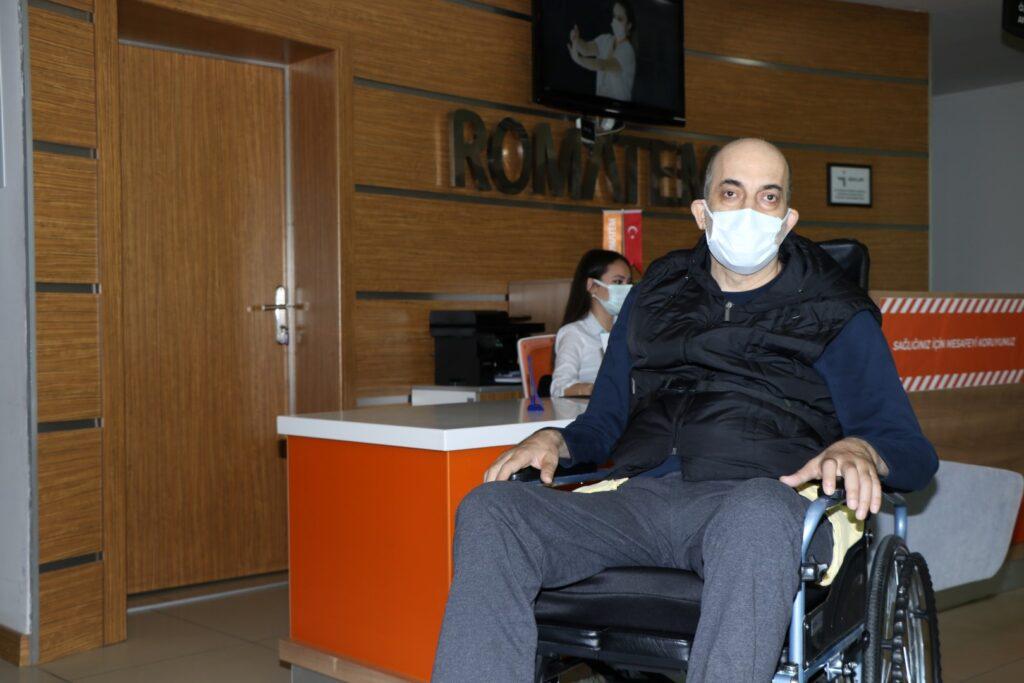 """Kocaeli Büyükşehir Belediyesi, sunmuş olduğu """"Engelsiz Taksi"""" hizmeti ile engelli vatandaşların günlük hayatlarının kolaylaşmasına imkân sağlıyor."""
