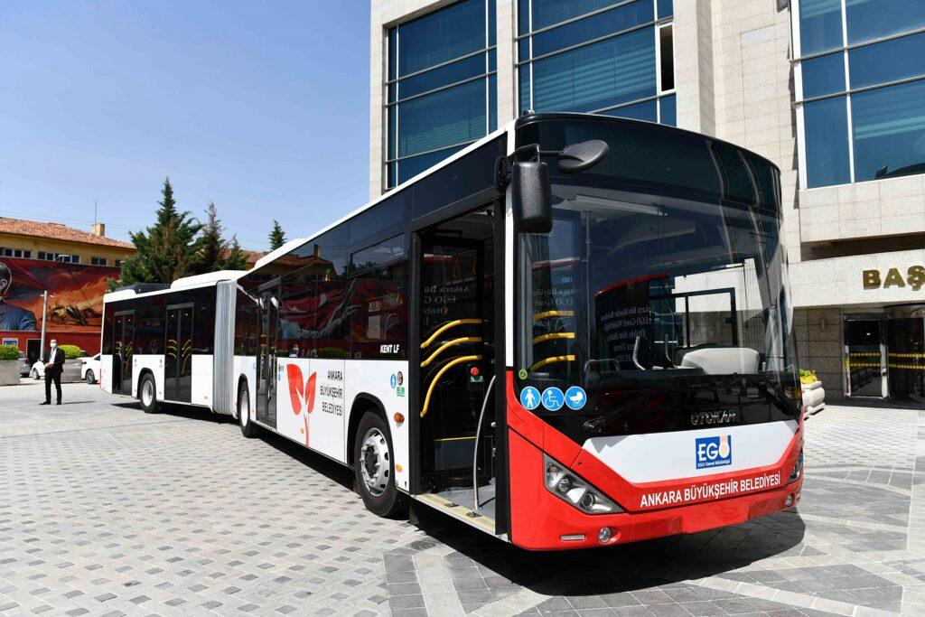 Başkent'te en son 2013'te gerçekleşen otobüsalımının ardından 8 yıl sonra yeni otobüsler için ihaleyi kazanan firmalarla sözleşme imzalandı.