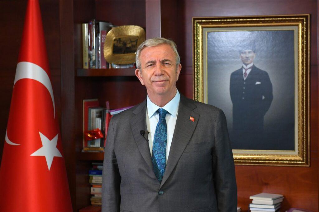 Ankara Büyükşehir Belediye Başkanı Mansur Yavaş, Başkentlilere hitaben kaleme aldığı Ramazan Bayramı mesajında, 'Sevgili ailem' başlığını kullandı.