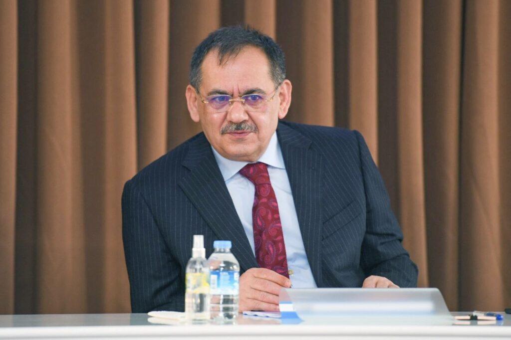 Büyükşehir Belediyesi, Bafra, Havza ve 19 Mayıs ilçelerinde toplam 225 bin 500 adet fide, üreticilere verilerek toprakla buluşturuldu.