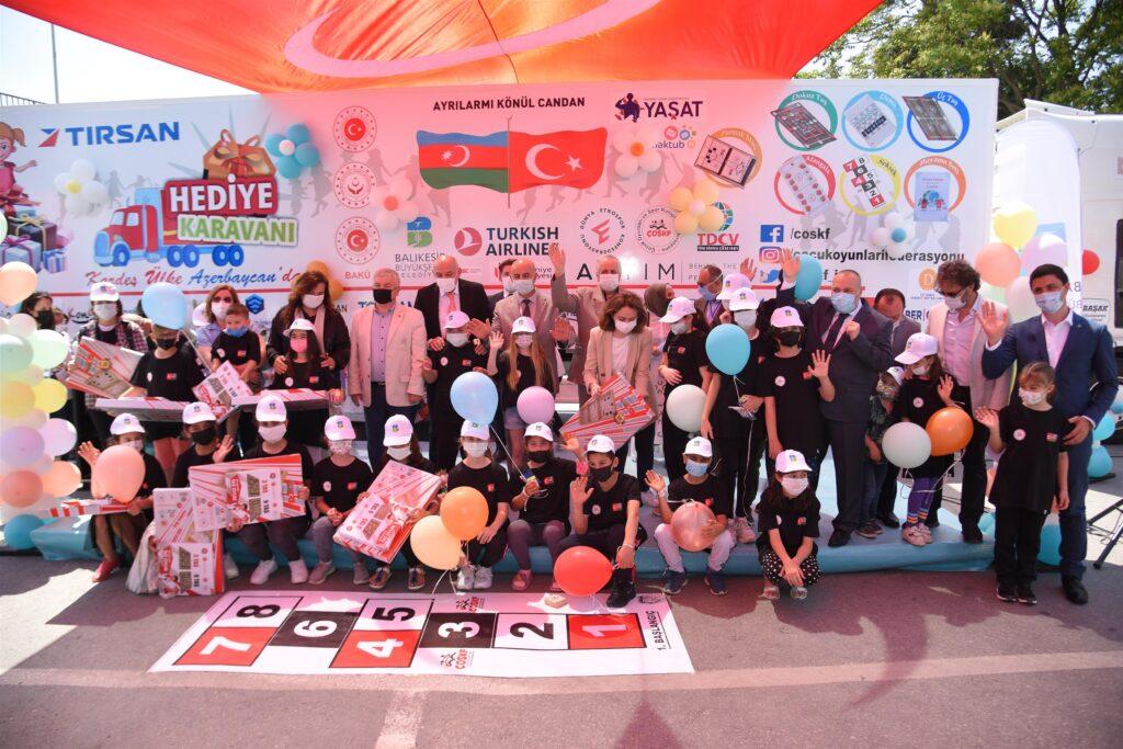1 Haziran Dünya Çocuk Günü'nde, Tovuz şehrinde olacak karavanda bulunan yaklaşık 40 bin hediye, Azeri çocuklara iletilecek.