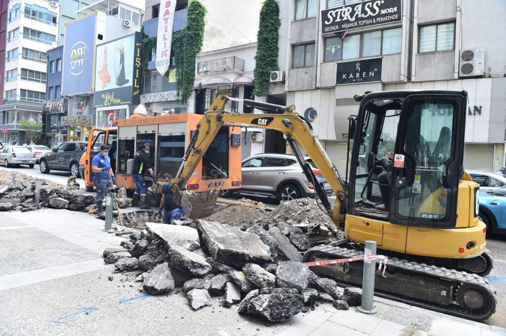 İzmir Büyükşehir Belediyesi İZSU Genel Müdürlüğü, 17 günlük kapanma sürecinde kentin altyapısını geliştirmeye yönelik çalışmalarını kesintisiz sürdürüyor.