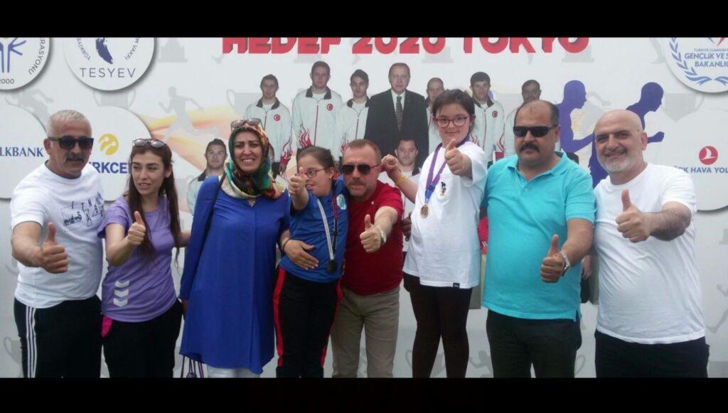 """İzmir Büyükşehir Belediyesi tarafından düzenlenen """"10 Dakika Engelli"""" konulu ulusal kısa film yarışmasının sonuçları belli oldu."""