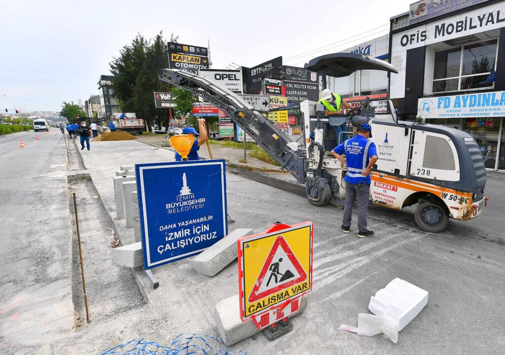 İzmir Büyükşehir ekipleri kapanma sürecini fırsata çevirerek kent içi ulaşımı rahatlatmak için 7 ayrı bölgede kavşak ve yol düzenlemesi yapıyor.